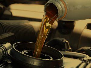 ¿Cuándo se debe cambiar el aceite del coche?