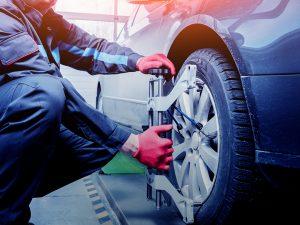 ¿Por qué revisar neumáticos y frenos antes de salir de viaje?